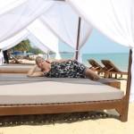 Так можно отдохнуть на пляже MaeNam