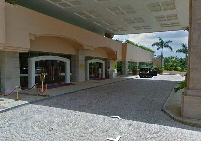 отель_вход