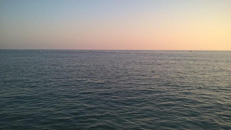 6-2. Море в лучах заката