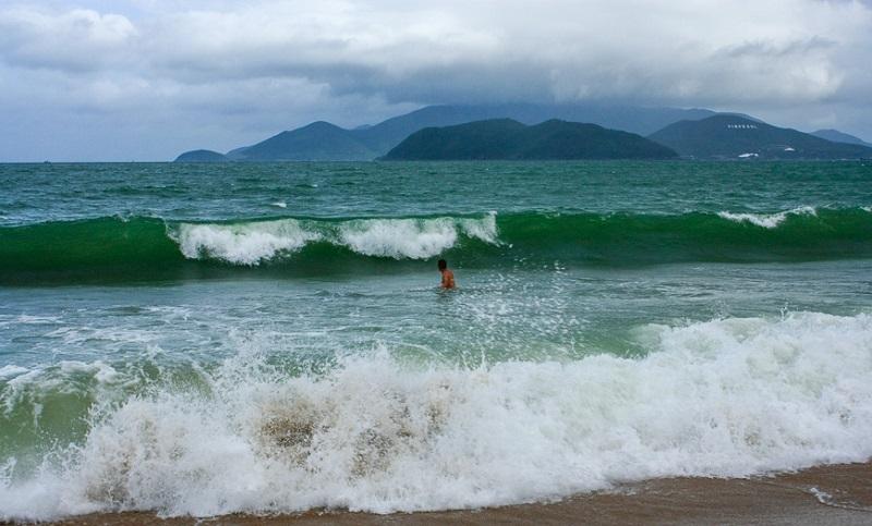 Волны в Нячанге