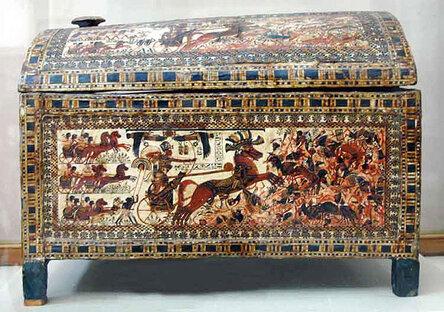 Ра�пи�ной ларец фараона Тутанхамона. Широка� �торона 1.
