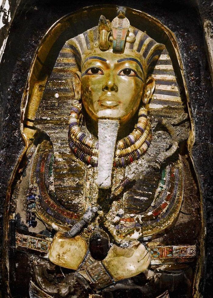 Ноябрь 1925 года. Посмертная маска Тутанхамона