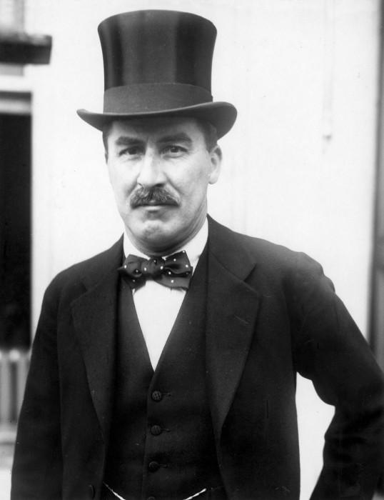 Знаменитый английский археолог и египтолог, совершивший в 1922 году открытие гробницы Тутанхамона.