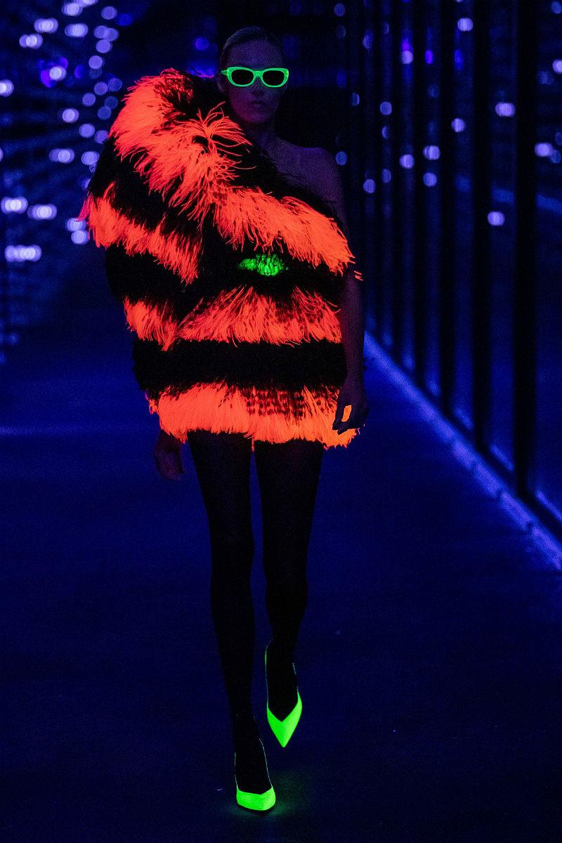 Флуоресцентная неоновая одежда